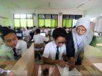 siswa-smpn-1-jakarta-ikuti-unbk_20190422_120711.jpg