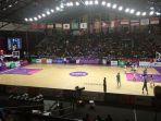 situasi-di-basket-hall-stadion-gelora-bung-karno-gbk_20180819_192132.jpg