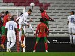 situasi-duel-antar-pemain-portugal-vs-prancis-di-matchday-kelima-uefa-nations-league.jpg