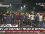 situasi-terkini-di-sekitar-kantor-bawaslu-massa-terlibat-ricuh-dengan-kepolisian-di-jalan-thamrin.jpg