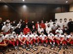 skuat-timnas-indonesia-foto-bersama.jpg