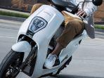 skuter-listrik-honda-u-go.jpg