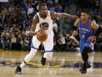 small-forward-golden-state-warriors-kevin-durant-point-guard-oklahoma-city-thunder-russell-westbrook_20170119_154118.jpg