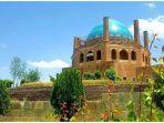 soltaniyeh-dome-atau-kubah-sultaniyah-di-provinsi-zanjan-iran.jpg
