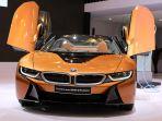 sport-car-listrik-masa-depan-bmw-i8-roadster-diluncurkan_20180803_001418.jpg
