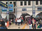 stasiun-kereta-api-pasar-sene.jpg