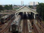 stasiun-kiaracondong-bandung-sepi-sejak-pandemi-covid-19_20200514_231526.jpg