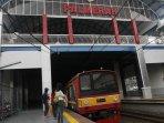 stasiun-palmerah-diresmikan_20150706_182958.jpg