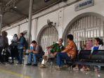 Mulai 3 November Stasiun Rangkasbitung Hanya Layani Penumpang dengan KMT dan Uang Elektronik