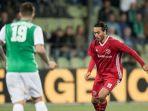 striker-almere-city-asal-indonesia-ezra-walian_20180507_111143.jpg