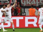 striker-bayern-muenchen-robert-lewandowski_20180418_030809.jpg
