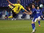 striker-borussia-dortmund-erling-haaland-mencetak-gol-akrobatik.jpg