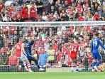 striker-chelsea-belgia-romelu-lukaku-ke-3-dari-kiri.jpg