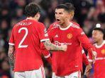 striker-manchester-united-cristiano-ronaldo-tengah-merayakan-dengan-lindelof.jpg