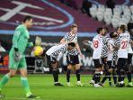 striker-manchester-united-inggris-marcus-rashford-merayakan-gol-ketiga-timnya.jpg