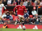 striker-manchester-united-inggris-mason-greenwood-dalam-perjalanan-untuk-mencetak-gol.jpg