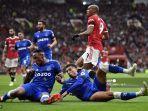 striker-manchester-united-prancis-anthony-martial-mencetak-gol-pertama-timnya-lawan-everton.jpg