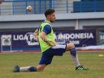 striker-persib-bandung-jonathan-bauman_20180726_141918.jpg