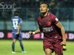 striker-psm-makassar-ferdinand-sinaga_20180417_214006.jpg