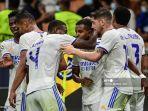 striker-real-madrid-rodrygo-tengah-merayakan-selebrasi-dengan-rekannya-setelah-cetak-gol.jpg