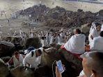 suasana-di-puncak-jabal-rahmah-sabtu-1082019-dini-hari-waktu-arab-saudi-6.jpg