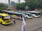 suasana-di-terminal-bus-kampung-rambutan_20180608_124527.jpg