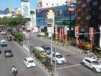 suasana-pusat-bisnis-di-kawasan-pusat-perbelanjaan-plaza-balikpapan.jpg