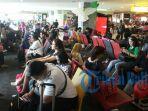 suasana-ruang-tunggu-di-bandara-i-gusti-ngurah-rai_20170329_093503.jpg