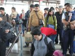 suasana-stasiun-keteta-api-pasar-senen-h4_20150721_215322.jpg