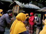 sungkeman-antarwarga-ala-kampung-jawi-semarang_20200526_141318.jpg