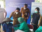suntik-vaksinasi-covid-19-bagi-masyarakat-tengerang_20210928_131356.jpg
