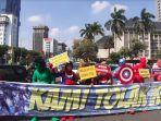 super-hero-avangers-mengiring-sidang-kedua-perselisihan-hasil-pemilihan-umum-phpu.jpg