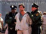 sylvester-stallone-dalam-film-lock-up-1989.jpg