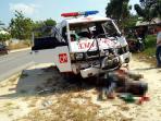 tabrak-ambulance_20160704_190951.jpg