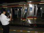 tabrakan-kereta-commuterline-di-stasiun-juanda_20150923_195055.jpg