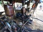 tambang-minyak-tradisional-di-langkat_20150425_163943.jpg