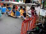 Viral Odong-odong Tabrak Pagar Pos RW di Kalibaru, Bayi 7 Bulan Terpental Hingga Luka Memar