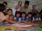 taufiequrachman-ruki-bermain-semai-bersama-siswa-tk_20150710_161559.jpg