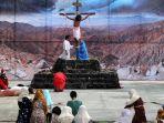 teatrikal-jalan-salib-perayaan-paskah_20170414_155106.jpg