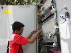 telkom-indonesia-kembangkan-jaringan-internet_20150922_163454.jpg