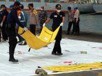 temuan-jasad-korban-jatuhnya-pesawat-sriwijaya-air-sj-182_20210111_195943.jpg