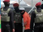 teroris-dari-makassar-dan-gorontalo-tiba-di-jakarta_20210204_203520.jpg