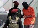teroris-dari-makassar-dan-gorontalo-tiba-di-jakarta_20210204_203619.jpg