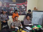 tersangka-dan-barang-bukti-dalam-rilis-di-makopolresta-denpasar_20180821_114251.jpg