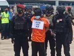 Diborgol dan Ditutup Mata, 22 Teroris Jamaah Islamiyah Asal Jawa Timur Tiba di Bandara Soetta