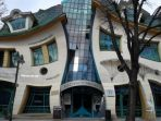 the-crooked-house_20180405_162647.jpg