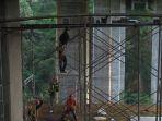 tiang-penyangga-jembatan-cisomang-tol-cipularang-bergeser_20161223_215257.jpg