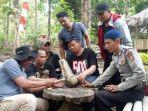 tim-ahli-cagar-budaya-tacb-kabupaten-indramayu-saat-melakukan-penelitian-awal.jpg