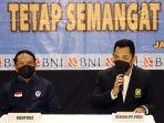 tim-bulu-tangkis-all-england-indonesia-tiba-kembali-di-tanah-air_20210322_233815.jpg