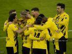 tim-dortmund-merayakan-0-1-selama-pertandingan-sepak-bola.jpg